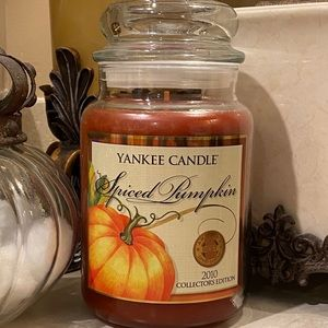 YC Spiced Pumpkin Collector's Edition 2010 🎃